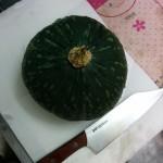収穫したカボチャを簡単にカットする方法&種の取り方